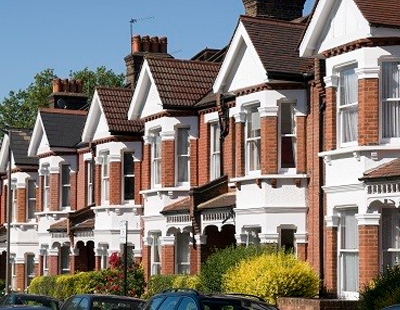 UK house prices climb and outlook brightens